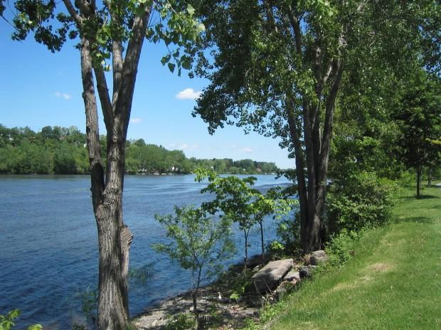 riviere MN