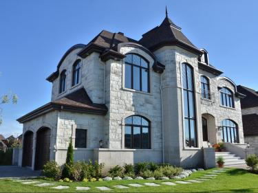 Luxury homes in Nouveau St-Laurent - New houses in Montreal