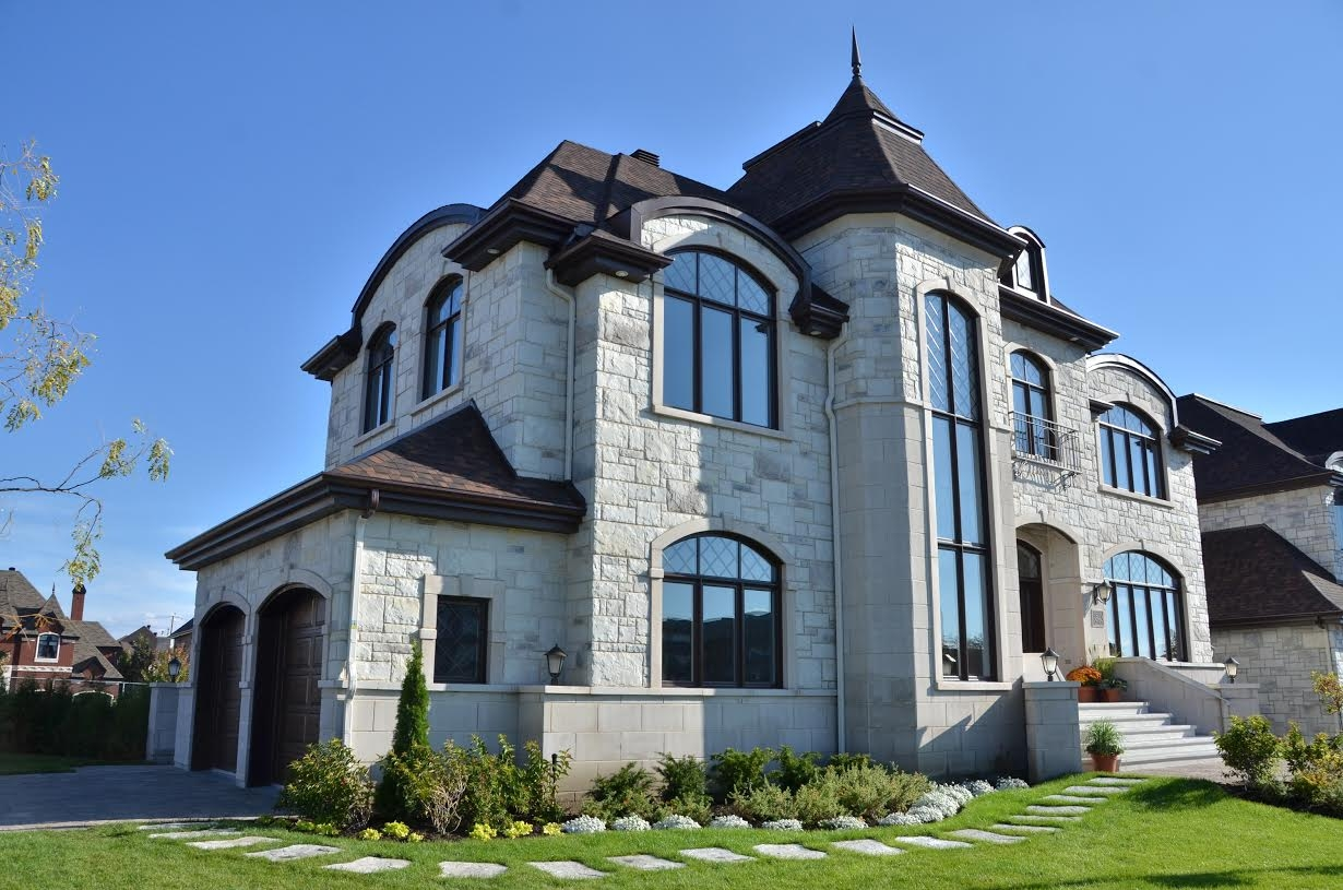 Luxury homes in nouveau st laurent houses in saint laurent for Maison de prestige quebec