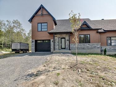 Les Clos Prévostois - Maisons neuves à Saint-Sauveur: 250001$ - 300000$